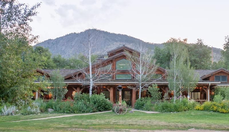 Sylvan Dale Guest Ranch Lodge